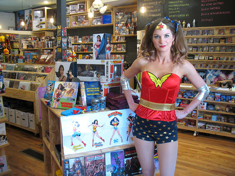 Wonder Woman Day Celebrated by Comic Shops! - Free Comic Book Day